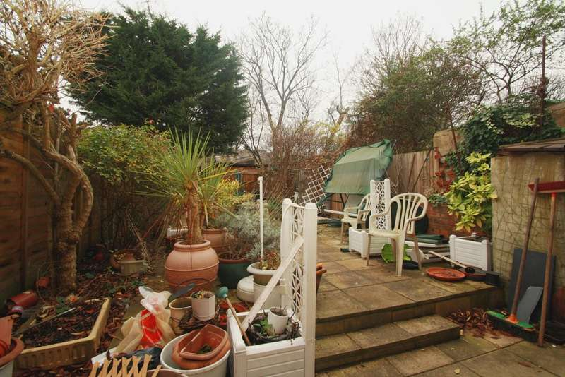 3 Bedrooms Terraced House for sale in Keslake Road, Queens Park NW6