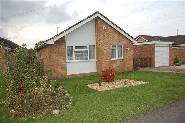 3 Bedrooms Detached Bungalow for sale in Canberra, Stonehouse, Gloucestershire, GL10 2PP