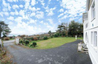 4 Bedrooms Detached House for sale in Carlyon Bay, St. Austell, Cornwall