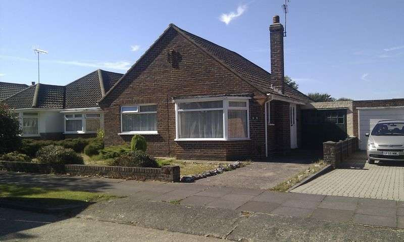 2 Bedrooms Detached Bungalow for sale in GORING BY SEA
