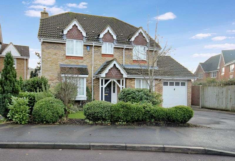 4 Bedrooms Detached House for sale in Falconwood Close, Fordingbridge