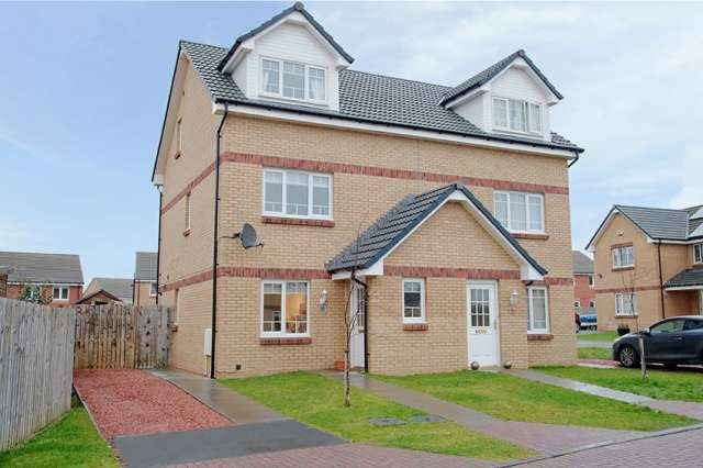 3 Bedrooms Semi Detached House for sale in , Kilmarnock, East Ayrshire, KA3 1TF