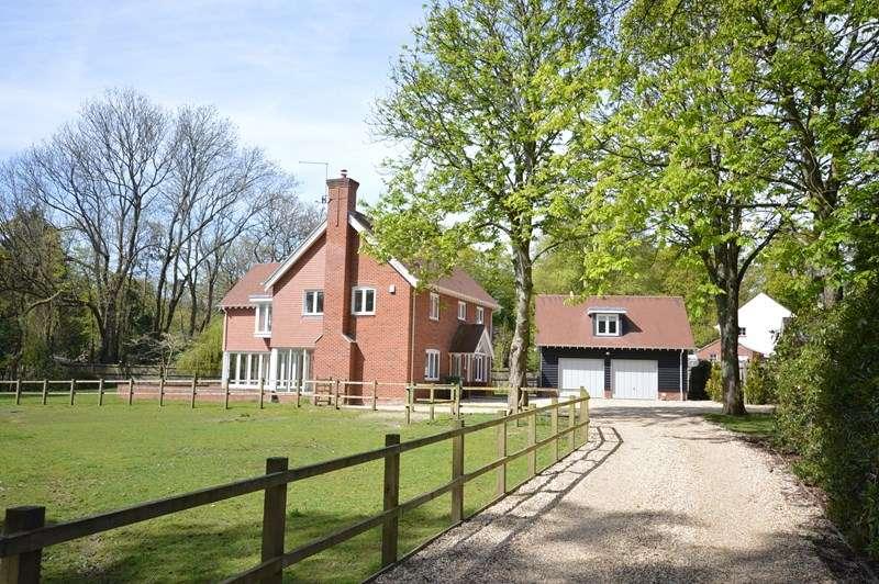 5 Bedrooms Detached House for sale in Honey Lane, Burley, Ringwood