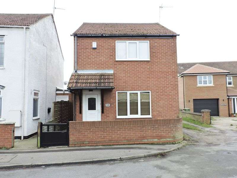 3 Bedrooms Detached House for sale in Woods Loke East, Lowestoft