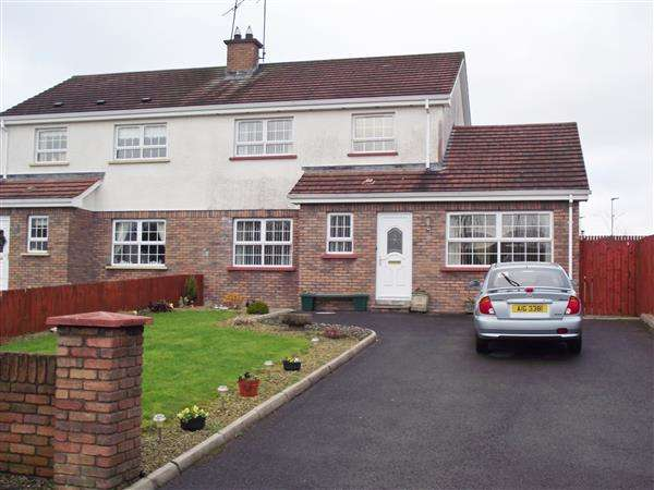 3 Bedrooms Semi Detached House for sale in Oakgrove