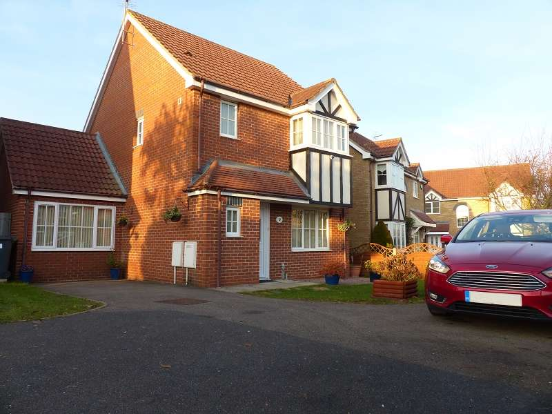 3 Bedrooms Detached House for sale in Ferndale , Yaxley, Peterborough, Cambridgeshire. PE7 3ZW