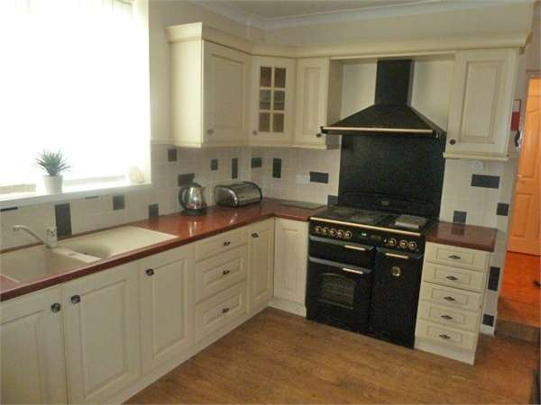 6 Bedrooms Detached House for sale in Sheffield Road, Barnsley, South Yorkshire