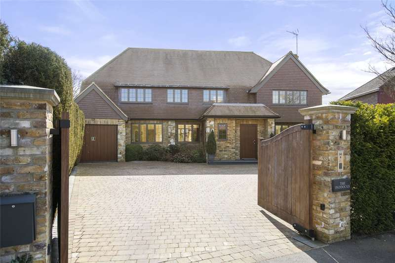 5 Bedrooms Detached House for sale in Charlwood Drive, Oxshott, Leatherhead, Surrey, KT22