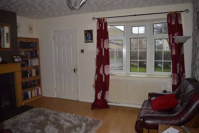 4 Bedrooms Semi Detached House for sale in Sunningdale Road, Weston-Super-Mare
