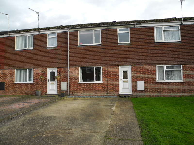 3 Bedrooms Terraced House for sale in High Leas, Beccles, Suffolk