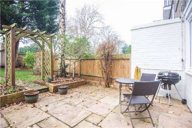 3 Bedrooms Maisonette Flat for sale in Cortis Road, Putney, LONDON, SW15