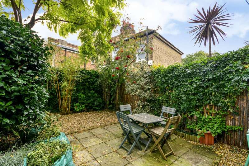 2 Bedrooms House for sale in Brightside Road, Hither Green, SE13