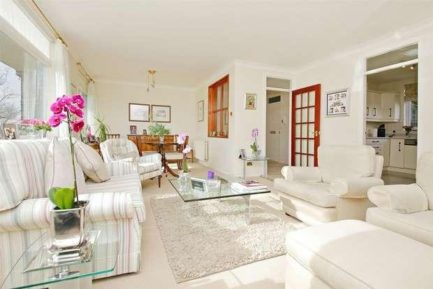 2 Bedrooms Flat for sale in Brendon Court, The Avenue, Radlett, Hertfordshire