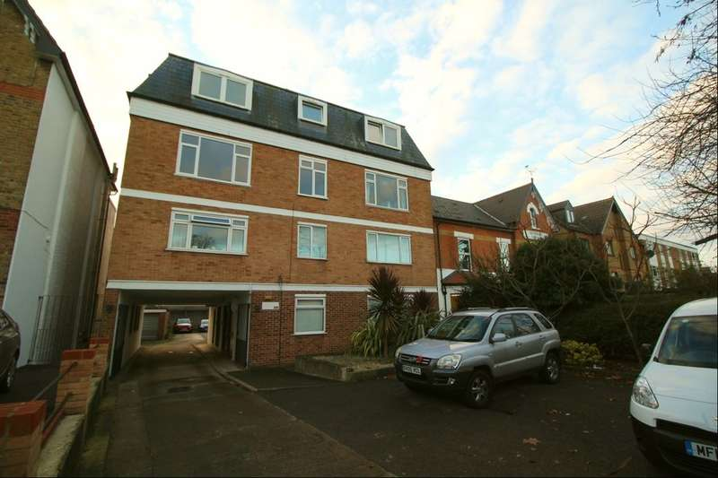 2 Bedrooms Flat for sale in Burnt Ash Hill, London, SE12