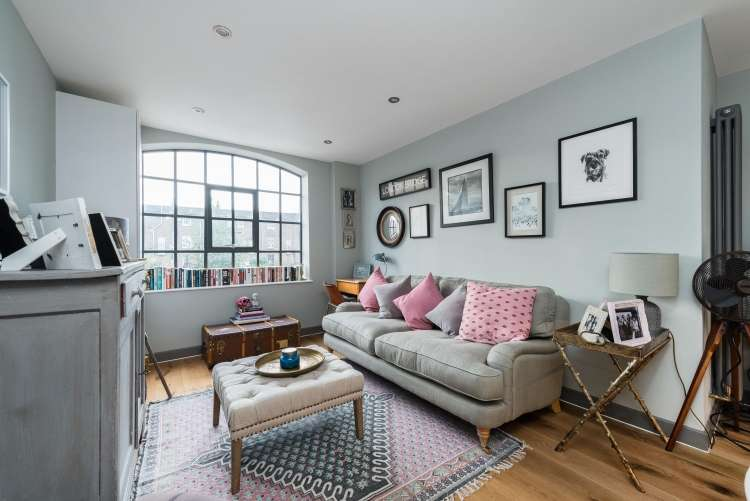 2 Bedrooms Flat for sale in Hatcham Park Mews New Cross SE14