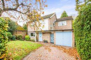 3 Bedrooms Detached House for sale in Manwood Avenue, Canterbury, Kent, England