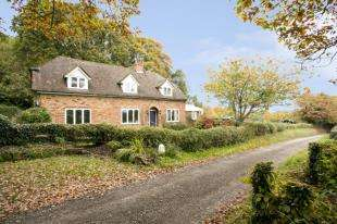 3 Bedrooms Detached House for sale in Bugsell Lane, Robertsbridge, East Sussex