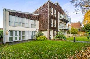 1 Bedroom Flat for sale in Cleve Cross Court, 14 Selborne Road, Croydon