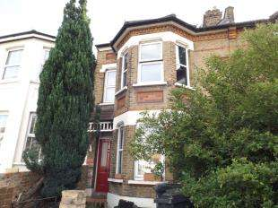 3 Bedrooms Flat for sale in Waddon Road, Croydon