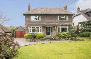 4 Bedrooms Detached House for sale in Middle Drive, Maresfield, Uckfield, East Sussex