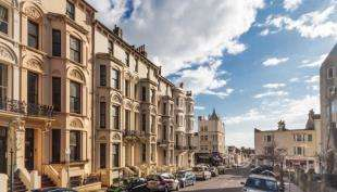 1 Bedroom Flat for sale in Cambridge Road, Hove, East Sussex