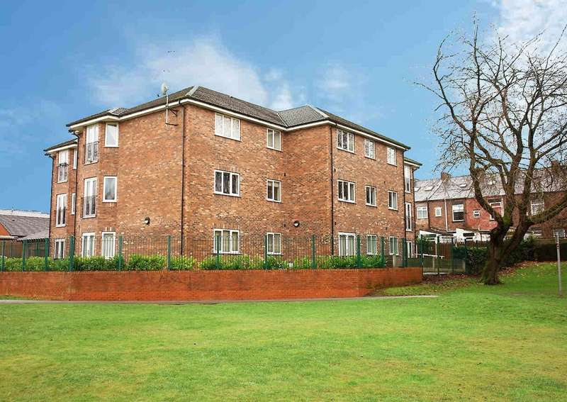 2 Bedrooms Flat for sale in 2 Millwood Court, Royton