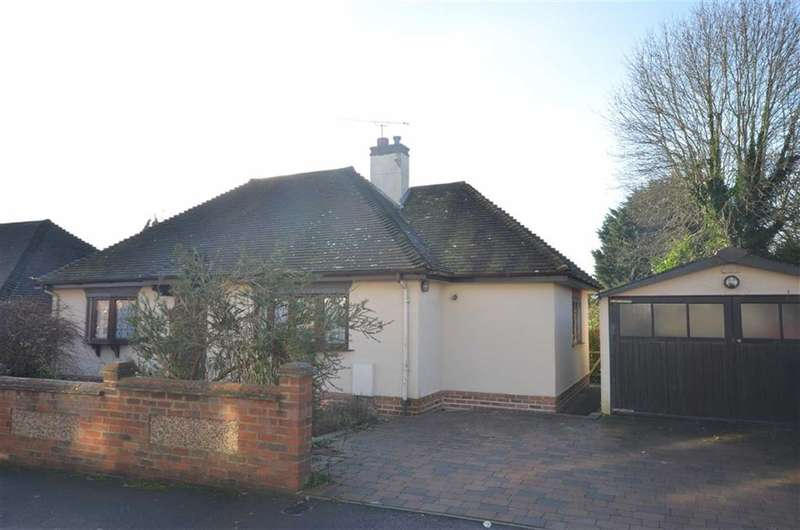 2 Bedrooms Property for sale in Hale Reeds, Farnham