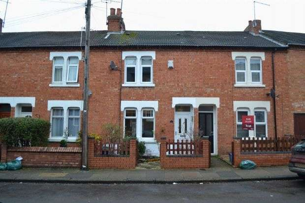 2 Bedrooms Terraced House for sale in Chaucer Street, Poets Corner, Northampton NN2 7HW
