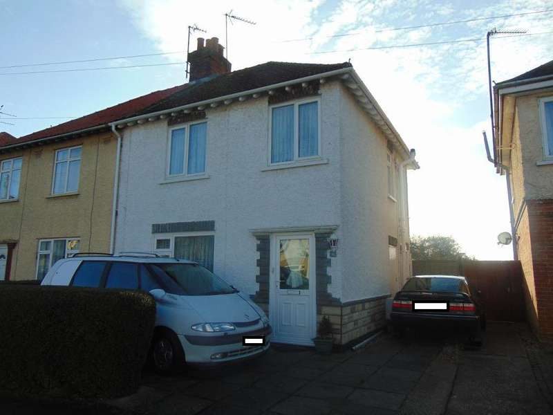 3 Bedrooms Semi Detached House for sale in Eastwood Avenue, March, Cambs, PE15 9NF