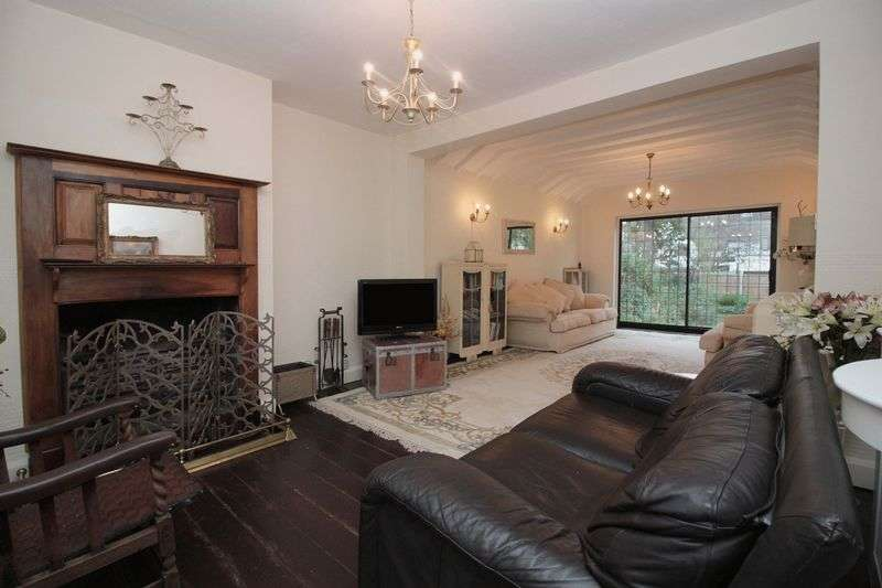 4 Bedrooms Detached House for sale in Church Hill, Loughton