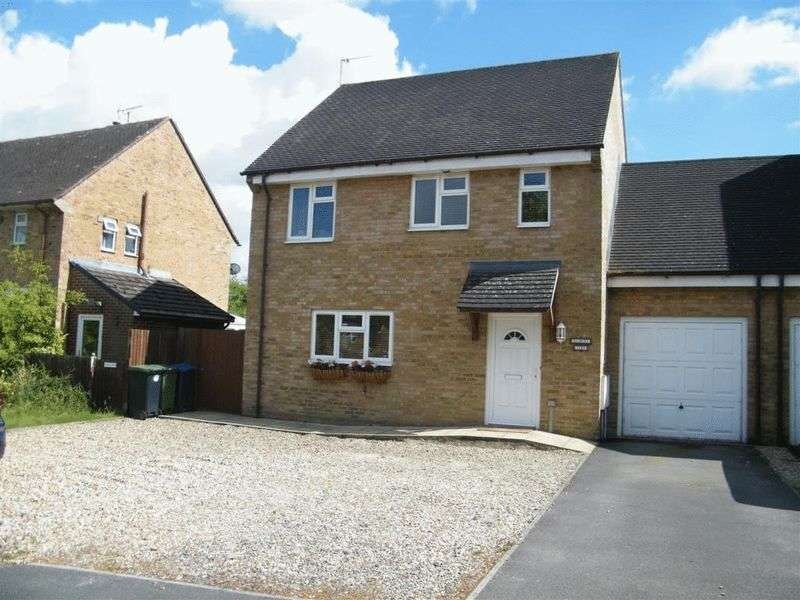 4 Bedrooms Detached House for sale in Atcherley Road, Calne