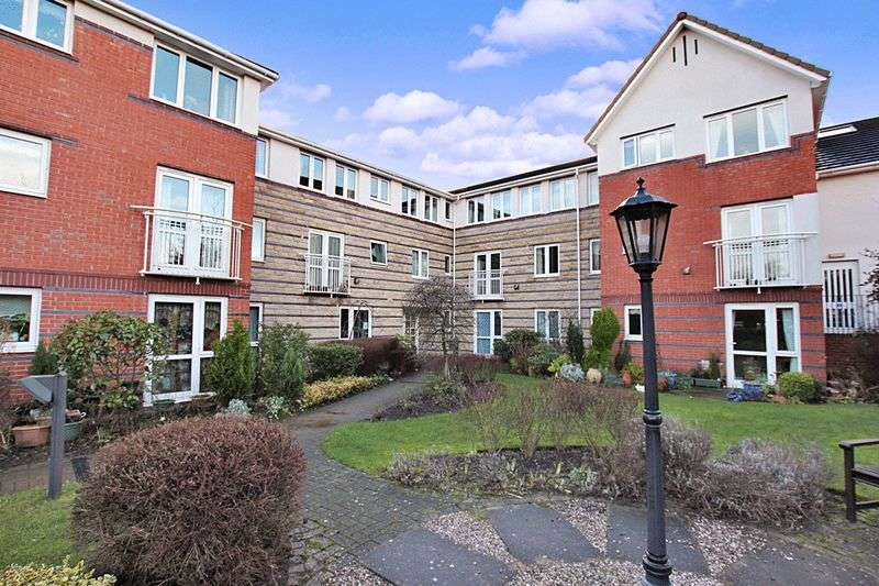 1 Bedroom Retirement Property for sale in St Edmunds Court, Leeds, LS8 1EZ