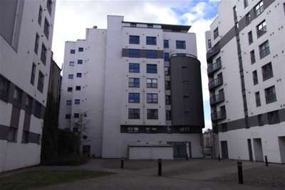 2 Bedrooms Flat for rent in Gallowgate, Merchant City, G1