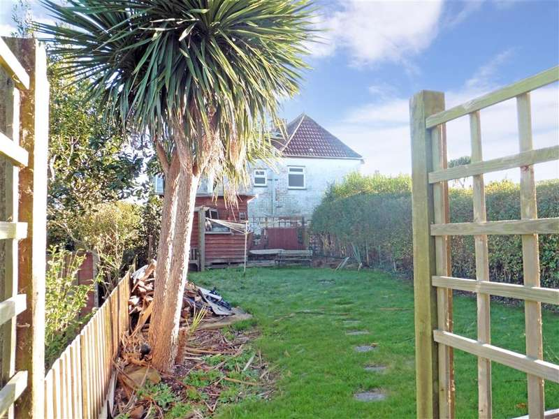 3 Bedrooms Semi Detached House for sale in Victoria Road, Freshwater, Isle of Wight