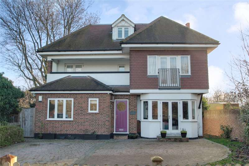 4 Bedrooms Detached House for sale in Thameside, Chertsey, Surrey, KT16