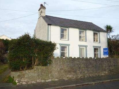 3 Bedrooms Detached House for sale in Lon Ganol, Llandegfan, Menai Bridge, Sir Ynys Mon, LL59