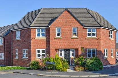 4 Bedrooms Detached House for sale in Greenfinch Way, Heysham, Morecambe, Lancashire, LA3