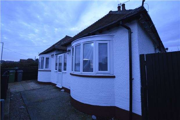 2 Bedrooms Detached Bungalow for sale in Battle Road, ST LEONARDS-ON-SEA, East Sussex, TN37