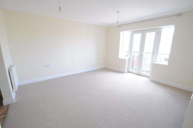 2 Bedrooms Apartment Flat for sale in Beach Court, Wolfreton Road, Willerby Road, Willerby, HU10 6RG