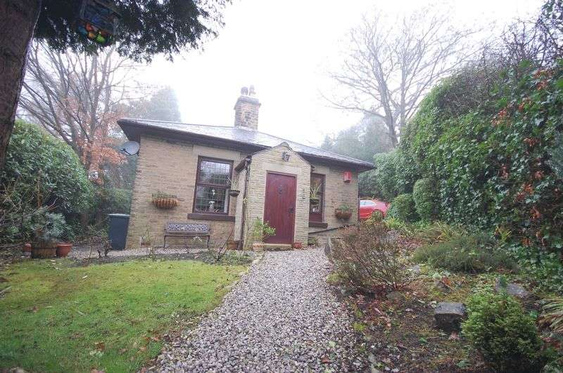 2 Bedrooms Bungalow for sale in Talbot Road, Glossop