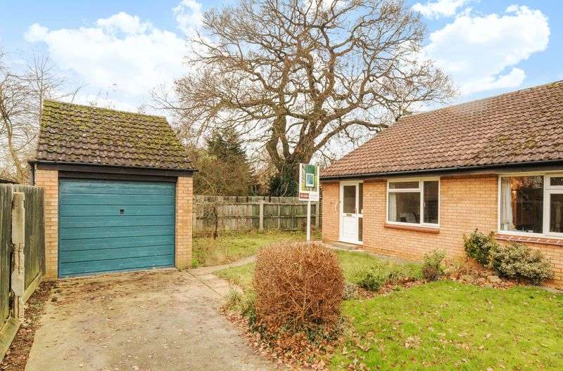 2 Bedrooms Semi Detached Bungalow for sale in Brode Close, Abingdon