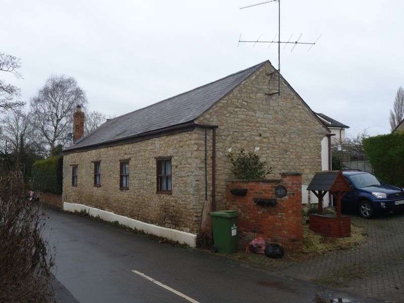 2 Bedrooms Detached House for sale in Water Lane, Sherington