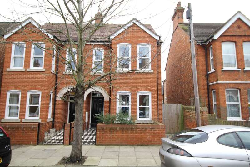 3 Bedrooms Semi Detached House for sale in Campbell Road, Bedford, MK40