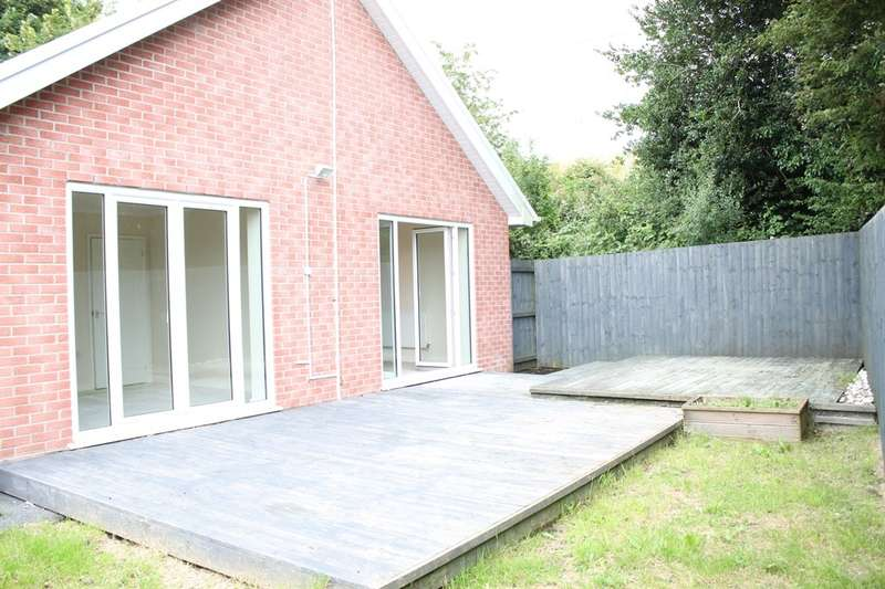 3 Bedrooms Detached Bungalow for sale in Birchgrove Road, Birchgrove, Swansea