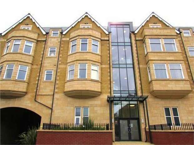 2 Bedrooms Flat for sale in St Georges Road, Lytham St Annes, Lancashire