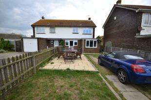 3 Bedrooms Semi Detached House for sale in Peter James Close, Camber, Rye, East Sussex