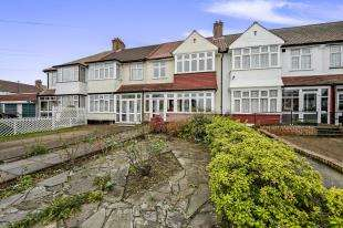 3 Bedrooms Terraced House for sale in Enmore Road, London