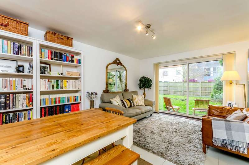 2 Bedrooms Flat for sale in Selhurst Road, Selhurst, SE25
