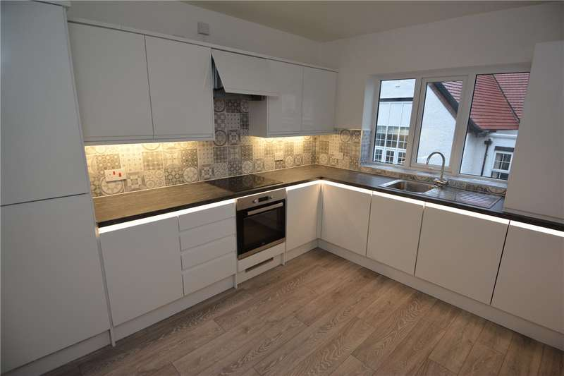 3 Bedrooms Flat for rent in Westbourne Road, West Kirby, Wirral