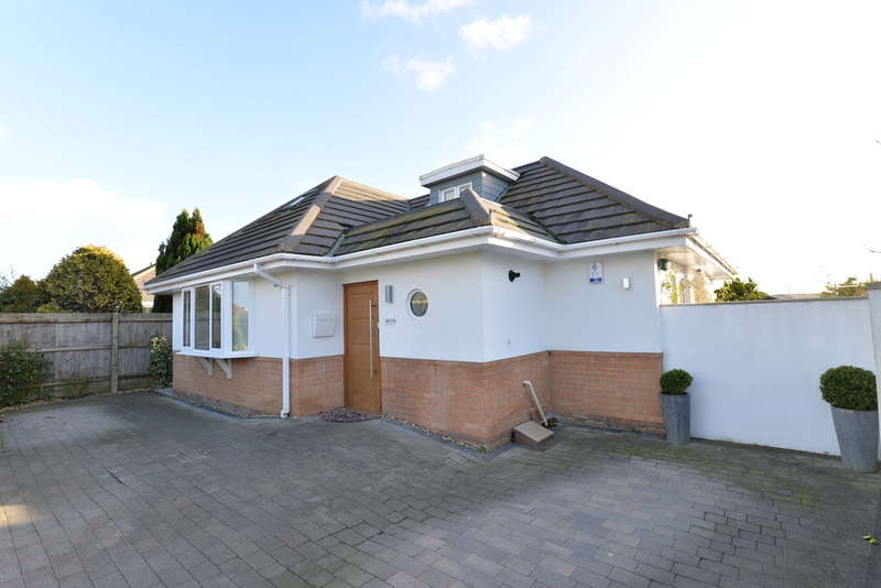 3 Bedrooms Chalet House for sale in Wavendon Avenue, Barton on Sea